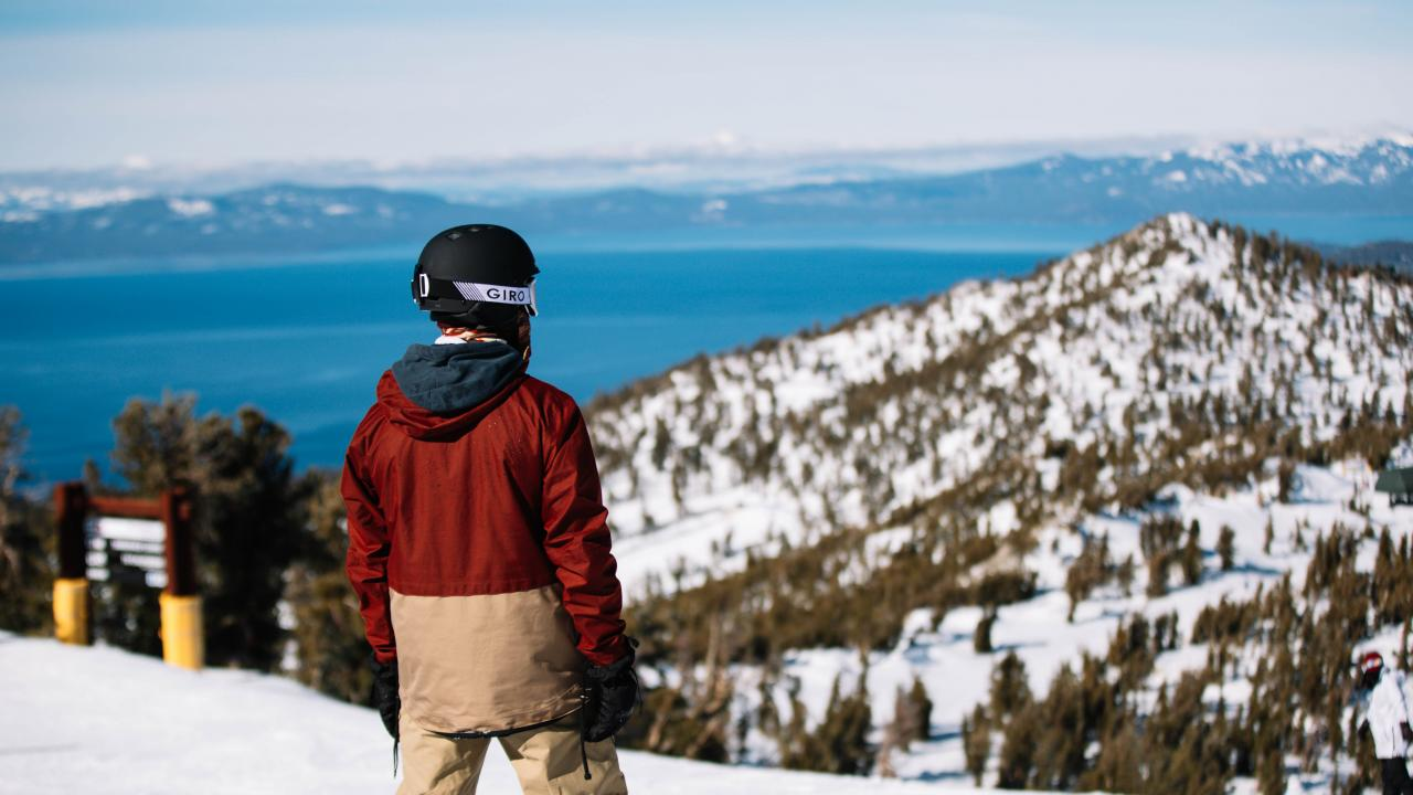 Epic views while skiiing in Lake Tahoe